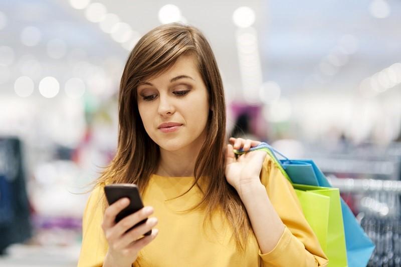 Nạp thẻ thông qua các ứng dụng liên kết với ngân hàng hay các website nạp thẻ online uy tín